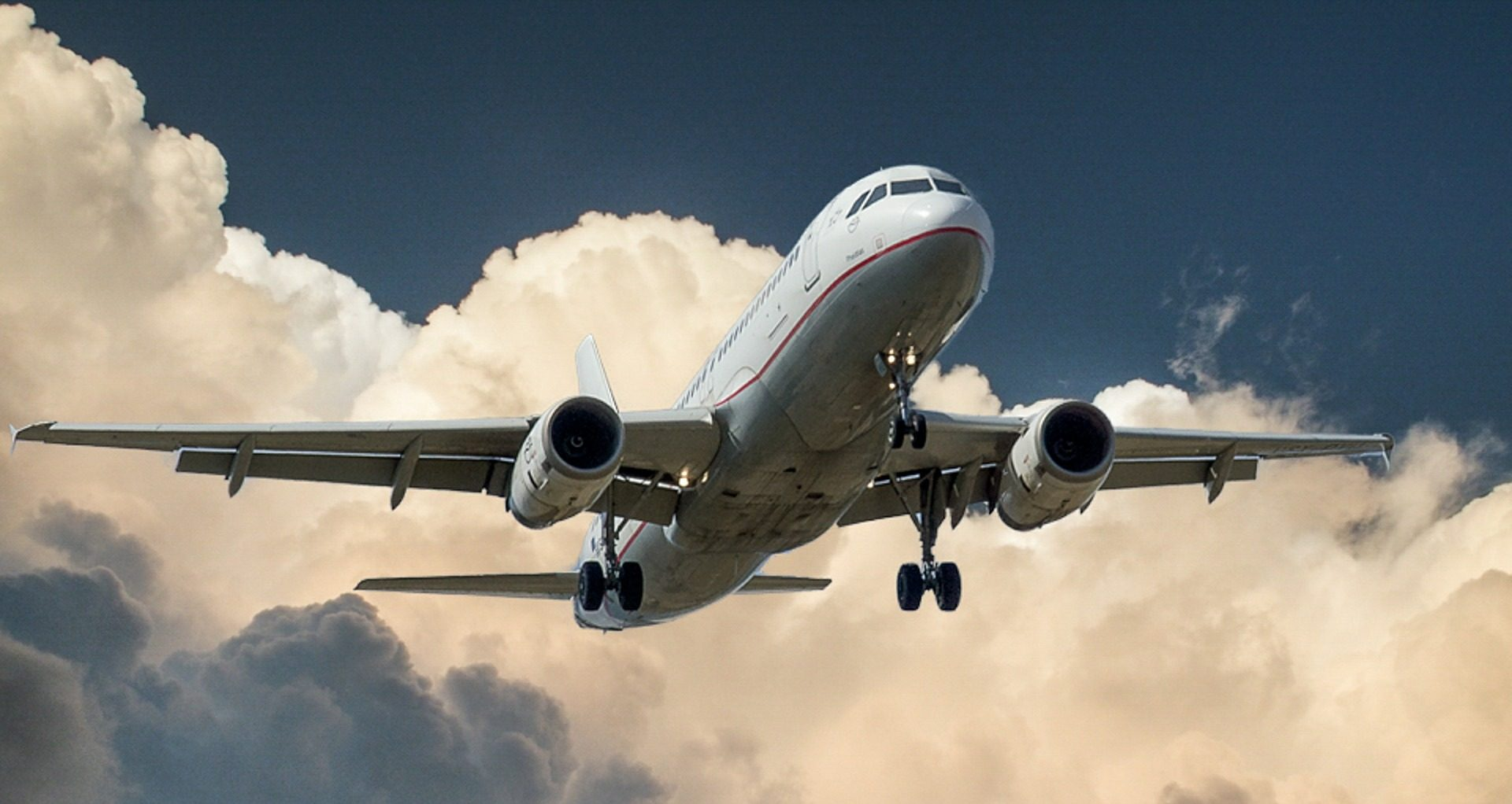 """Enter Air wykonuje loty czarterowe w ramach operacji """"LOT do domu"""""""